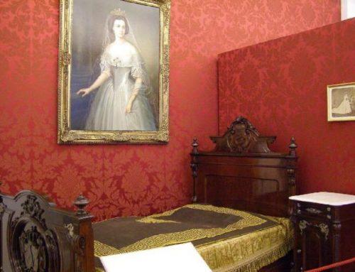 Schlafzimmer von Kaiser Franz Joseph und Schlafzimmer von Kaiserin Elisabeth in Schloss Gödöllő